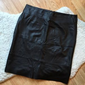 BANANA REPUBLIC: 100% Fudge Brown Leather Skirt